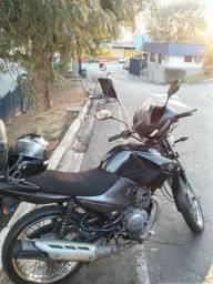 Vendo ybr factor único dono moto para o dia dia...