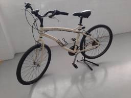 Bicicleta Caloi City Aro 26 c/21 Marchas Shimano - Freio V-Brake e Quadro de Alumínio.