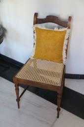 Cadeira Antiga De Jacarandá Com Assento De Palha Da Índia