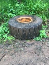 Vendo roda com pneu montada 9 66 ou 9 50
