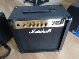 Título do anúncio: Cubo Amplificador Marshall MG 15 Gold. Barato!