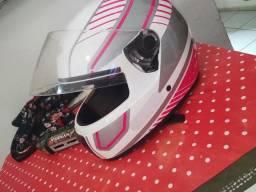 Capacete rosa com branco
