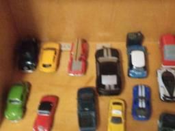 Título do anúncio: Coleção completa de carros (semi novo)