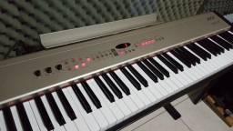 Título do anúncio: Piano Roland FP5
