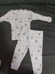 6 conjuntos tamanho M Bebê