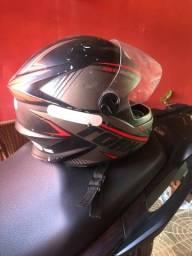 Título do anúncio: vendo capacete R8