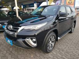 Toyota Hilux SW4 2.8 SRX 4x4 7 lugares diesel