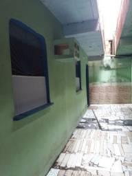 Aluguel de ap 2 quartos sala copa cozinha e área de serviço Paga água e luz.