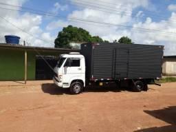 * frete e mudança no caminhão baú