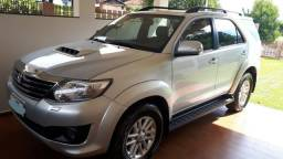 Toyota Hilux Sw4, 7 Lugares 3.0 SRV 4X4 16V Turbo Intercooler diesel automático 2012 - 2012