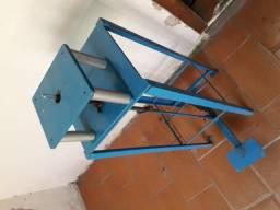 Máquina de enfiar tiras
