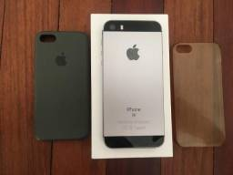 Iphone SE 128GB, com caixa e todos acessórios.