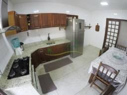 0010 - Amplo apartamento com 3 dormitórios, semi mobiliado