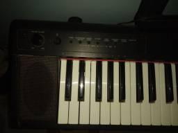 Piano YAMAHA NP11
