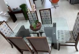 Mesa de jantar, 6 cadeiras e aparador