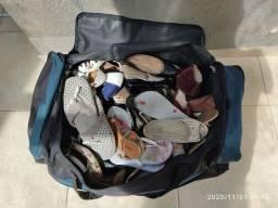 Pares de sapatos usados (Aprox. 40 pares)