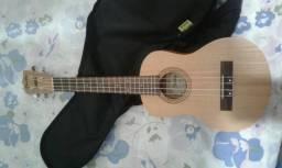 Vende-se um ukulele tenor