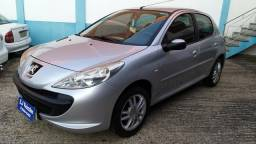 Peugeot 207 1.4 completo ano 2011