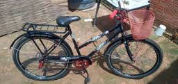 Uma bicicleta nova com nota com menos de um mês de uso