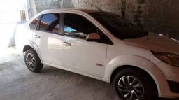 Vendo ford fiesta sedan 2011 flex.