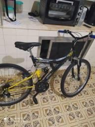 Bicicleta em perfeito estado não entrego somente Venda não troco