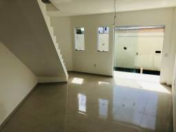 Linda casa com 2 suítes em Santa Mônica