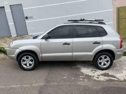 Hyundai Tucson - 2.0 GL - OPORTUNIDADE!!