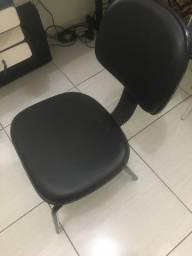 Cadeira para escritório em ótimo estado