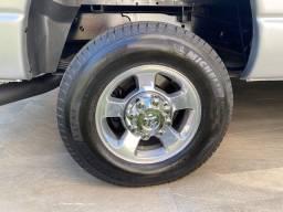 Jogo de pneus BF Goodrich semi novos 265 70R17