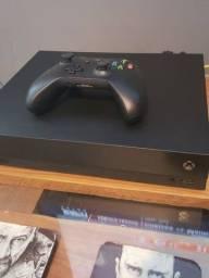 Xbox One X 4K com caixa