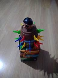 Título do anúncio: Brinquedo Pula Pirata na caixa