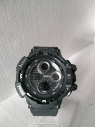 Relógio digital a prova d'água