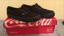 Tênis Coca-cola basico preto na caixa nunca usado!!! tamanho 36