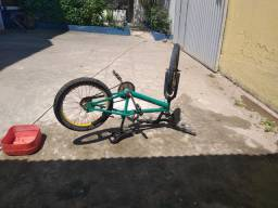 Título do anúncio: Bicicleta de manobra