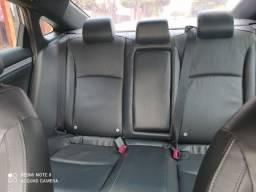 Honda Civic EXL. Para quem gosta de conforto e esportividade