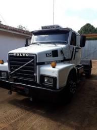 Título do anúncio: Vendo caminhão Volvo 340