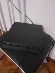 Título do anúncio: Playstation 4 com 1 controle e todos os cabos menos de 1 ano de uso