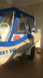 Bote inflável para 6 pessoas com carreta rodoviária.