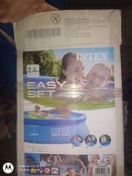Vendo piscina inflável.