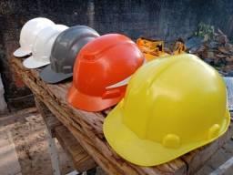 Capacetes EPI construção civil