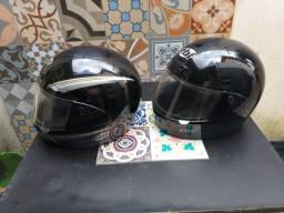2 Capacetes marca EBF cor preta