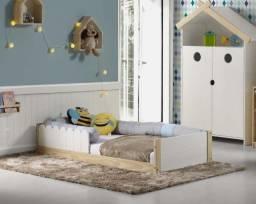 Mini cama montessoriana com cerquinha