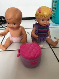 Duas bonecas com piniquinho 80