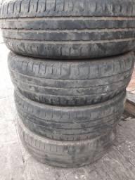 Vendo pneus 175/70/14 muito bons.