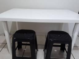 Mesa de plástico + banco