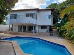 Vendo casa com piscina e 4 suítes no condomínio Portal das Águas.