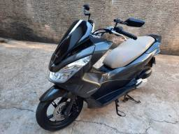 Vendo Honda PCX 150 ,ano 16/16
