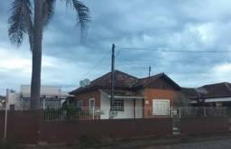 VENDE-SE casa no CENTRO de IPIRANGA