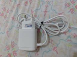 Carregador p/celular com entrada USB dupla extra
