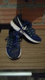 Tênis Nike Zoom Pegasus 33